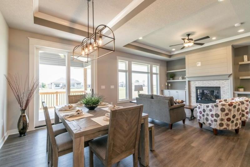 1706 Ledges Dining and Living Room