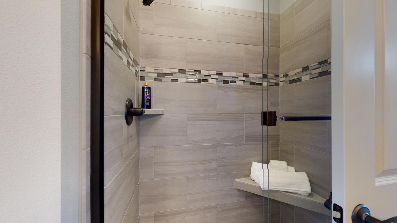 1706 Ledges Master Shower
