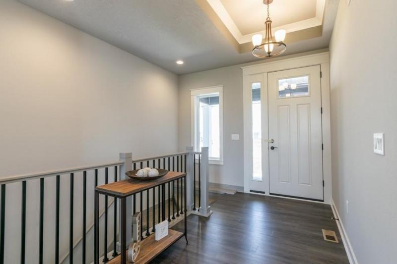1706 Ledges interior entryway
